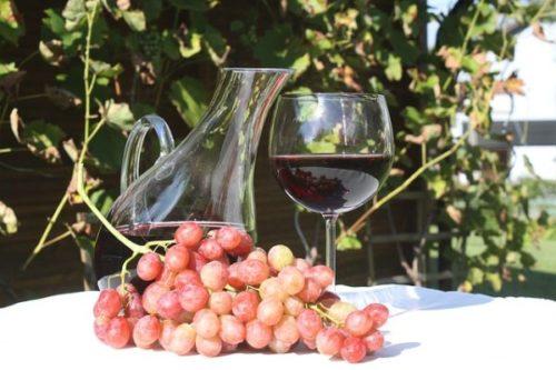 ワインの澱引き