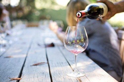 ワインのテイスティング方法(手順)