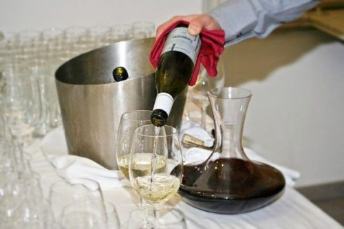 ワインをテイスティングする意味は?