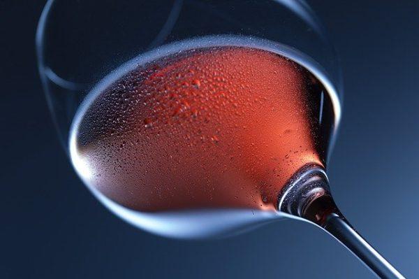 さらに赤ワインを飲みやすくする2つのコツ