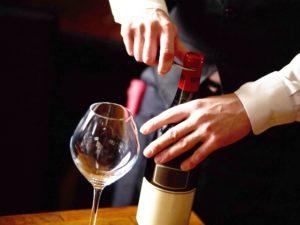 ワイン開け方のコツ「キャップシール」