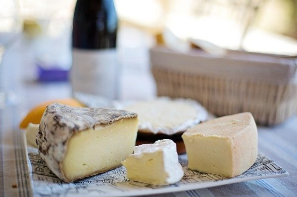 ワインの種類別に選んだ相性抜群のチーズランキング