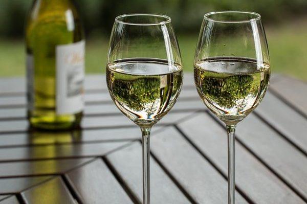 ②甘口のスパークリングワイン・白ワイン(デザートワイン含む)